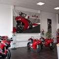 Ducati auf LKW-Plane für Motorradhändler