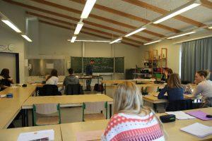 Die Unterrichtsstunden waren sehr konzentriert und produktiv.